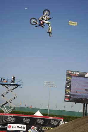 """Jeremy """"Twitch"""" Stenberg, no-handed backflip, on his way to victory at the 2007 LG Action Sports World Championships of FMX."""