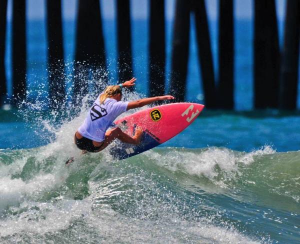 Supergirl Pro surfer